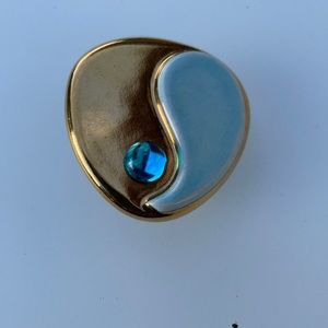Channel lsland jewelry vintage ceramic pin